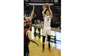 COLLEGE MEN'S BASKETBALL: Oakland Bader is new NCAA 3-pointers king